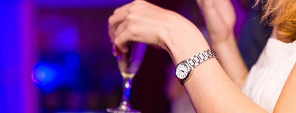 Alcohol and Menopause: Does Drinking Alcohol Affect Menopause Symptoms? alcohol 964x370